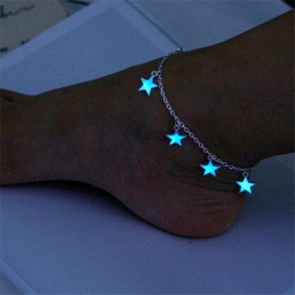 Kotníkový náramek svítící s hvězdičkami
